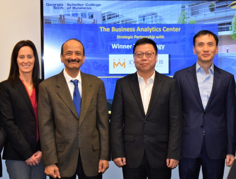 Sherri Von Behren, Corp. Engagement Manager, BAC, Prof. Sri Narasimhan, Faculty Co-Director BAC, Eric Zhang, Chairman & CEO of Winner Technology Co. Inc., (Shanghai, China), & Prof. Jeffrey Hu, Faculty Co-Director BAC