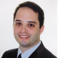 Incoming Executive MBA student Gustavo Rodrigues' head shot